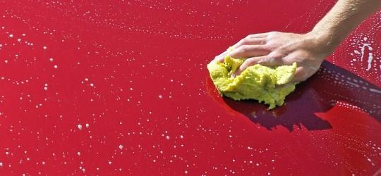 Przygotowanie samochodu do sprzedaży - polerowanie lakieru